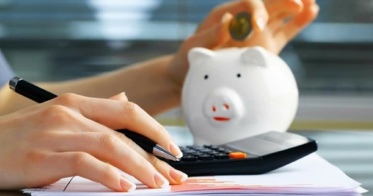 Poupança é definida como o hábito de poupar capital