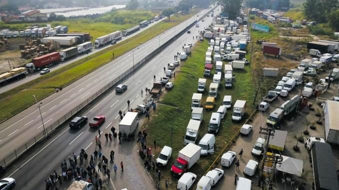 Resumo da Semana: Paralisação de caminhoneiros e queda em índices da bolsa