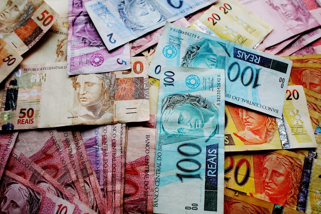 Déficit Público: o que acontece quando o governo gasta mais do que tem?