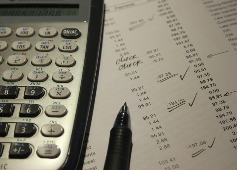Entenda o que é Default e qual o seu efeito para credores e devedores