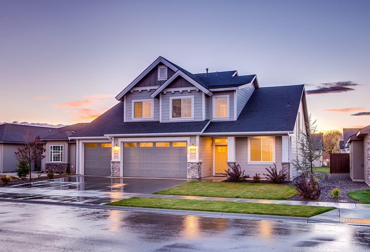 Mercado Imobiliário: como funciona? Vale a pena investir nele?