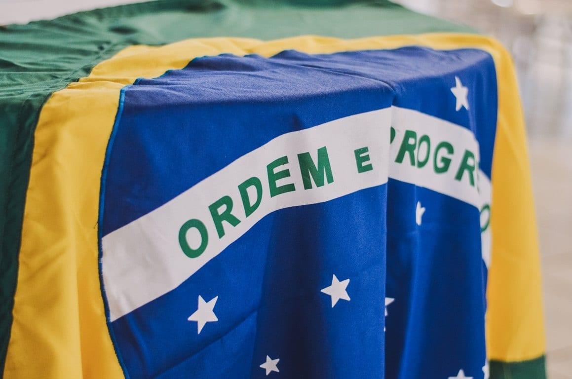 Investimentos no Brasil: os riscos de aplicar em um país