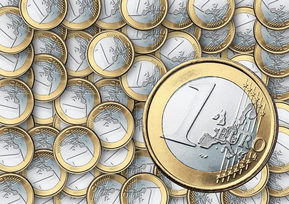 o impacto do multiplicador bancário na oferta de moeda