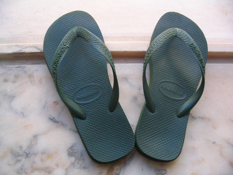 O mercado de sandálias é um exemplo de concorrência monopolista