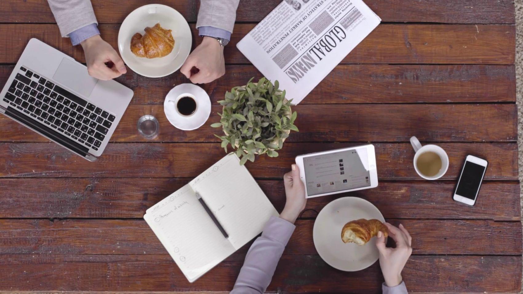 Morning Call: Lançamentos da Apple e Aumento na Gasolina