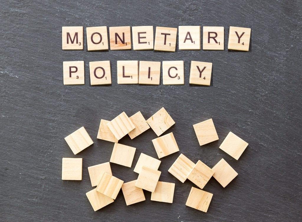 Política monetária expansionista: entenda (com exemplos) o que é
