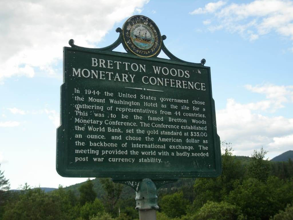 Como o Acordo de Bretton Woods organizou a economia mundial no pós-guerra