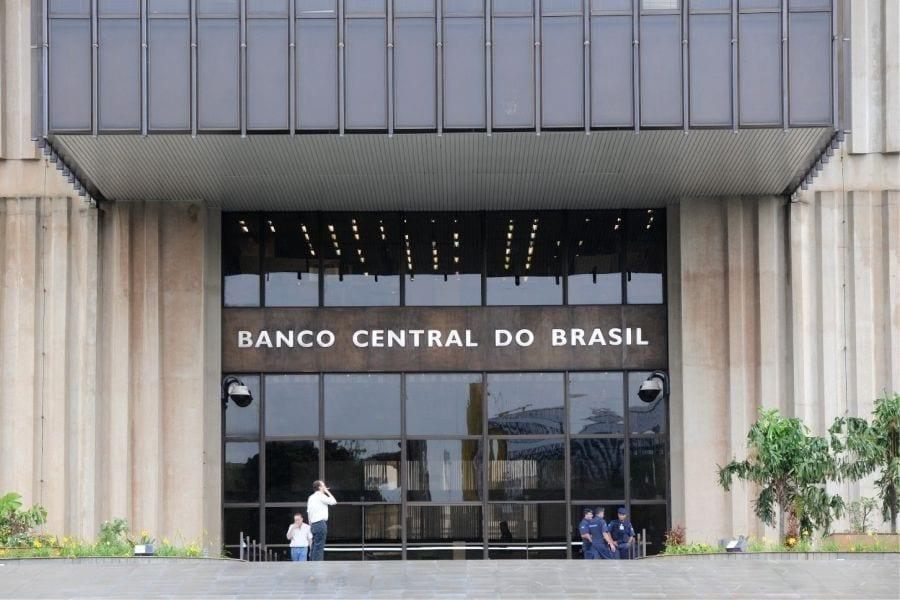 Qual a importância do SISBACEN para o Sistema Financeiro Nacional