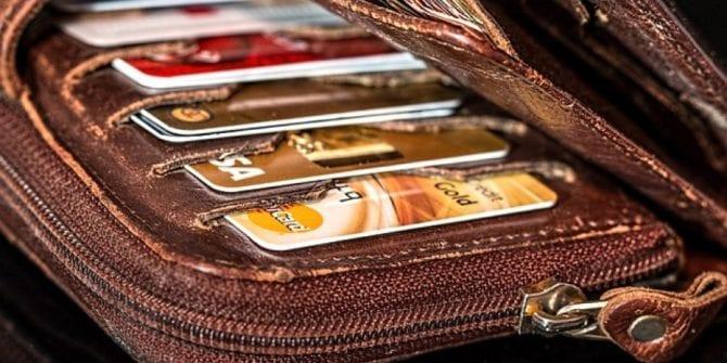 Anuidade do cartão de crédito: como funciona e dicas para negociar