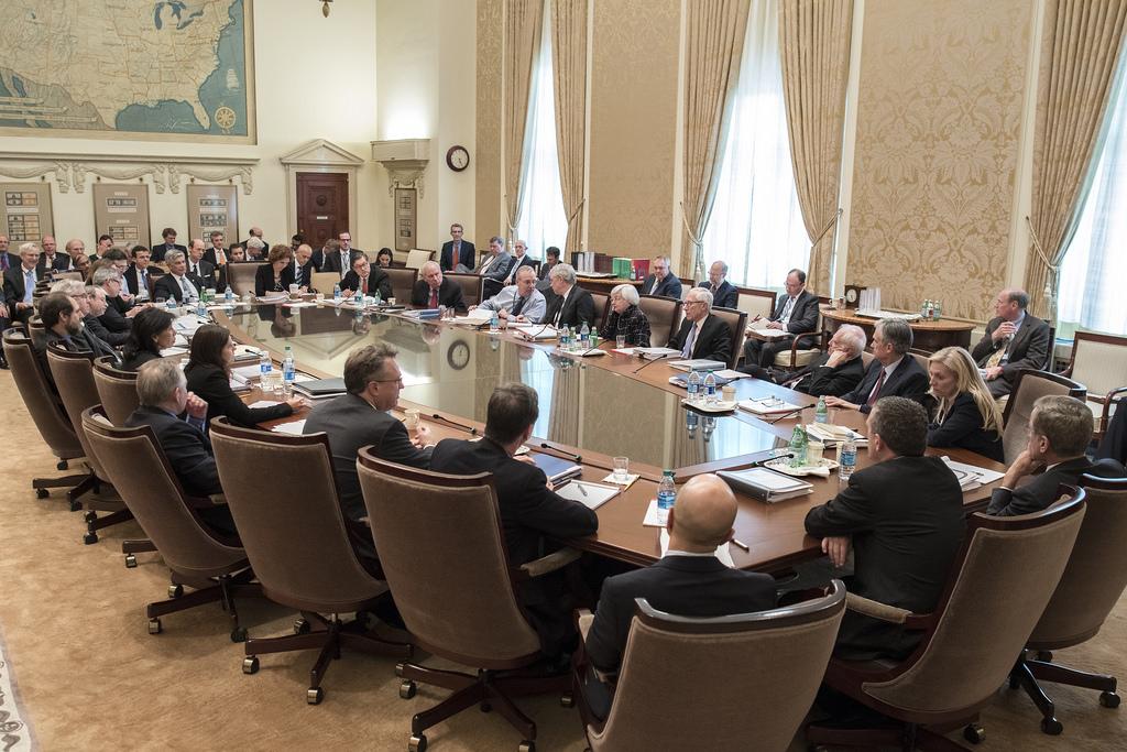O que é o FOMC e por que ele é tão importante para a economia dos EUA?