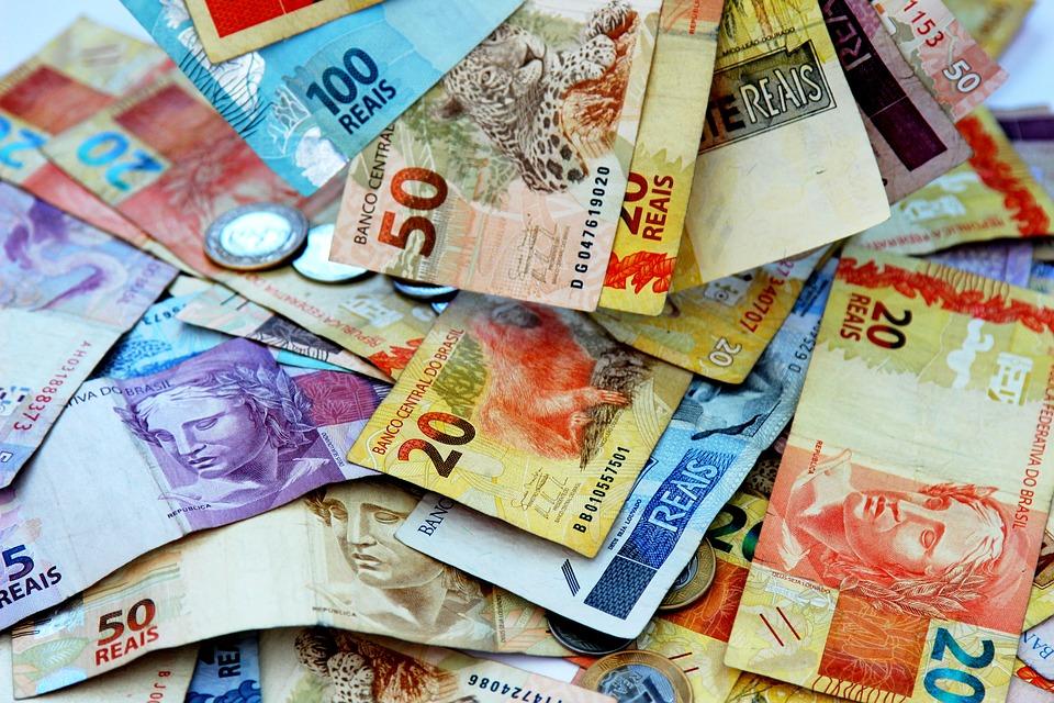 Moeda corrente: Descubra o que é e veja a história da moeda nacional