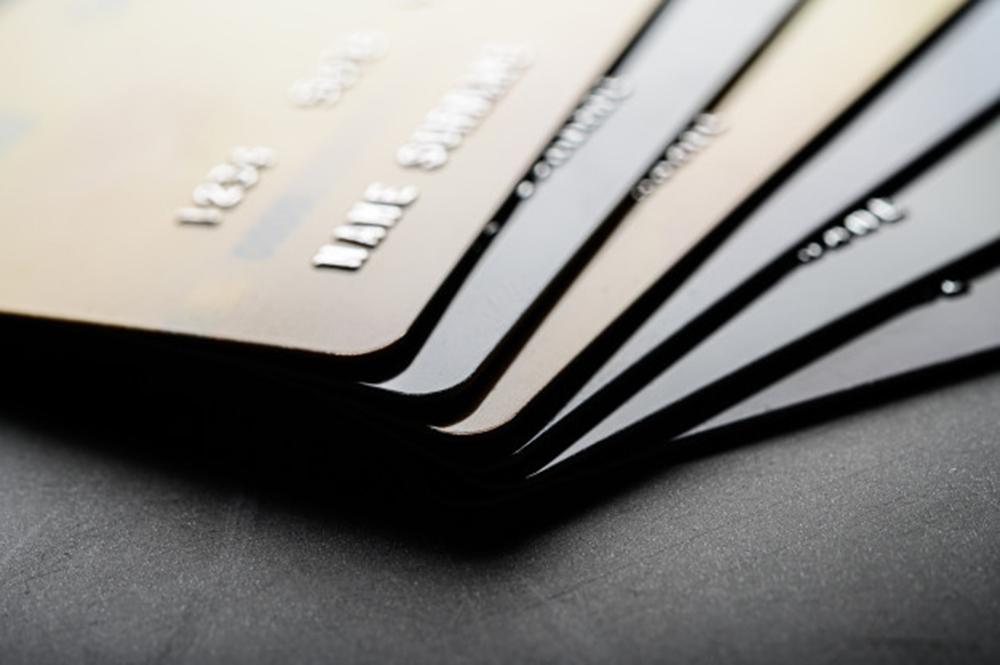 O que são serviços bancários gratuitos e a quem se destinam?