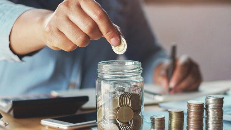 Como economizar dinheiro em 2021: 3 dicas para juntar dinheiro