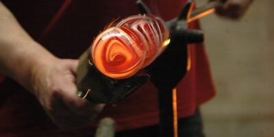 Como a manufatura pode afetar a economia?