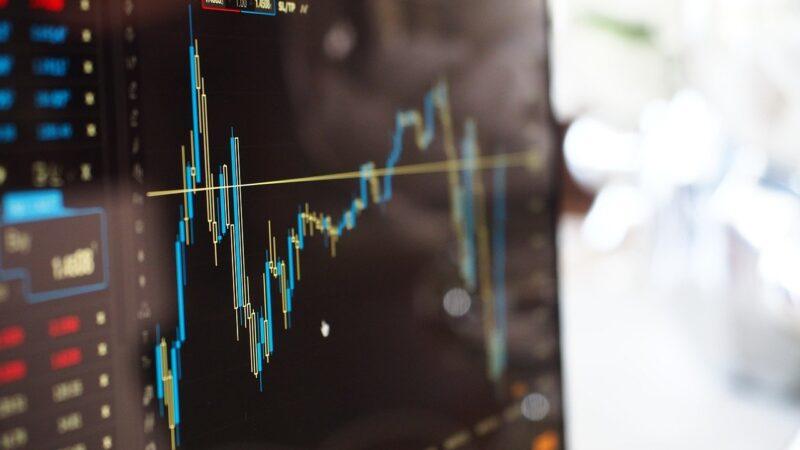 Como investir na Bolsa sozinho? Saiba os 5 passos para aplicar dinheiro