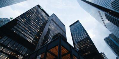 Conheça aqui 4 vantagens de investir em fundos imobiliários
