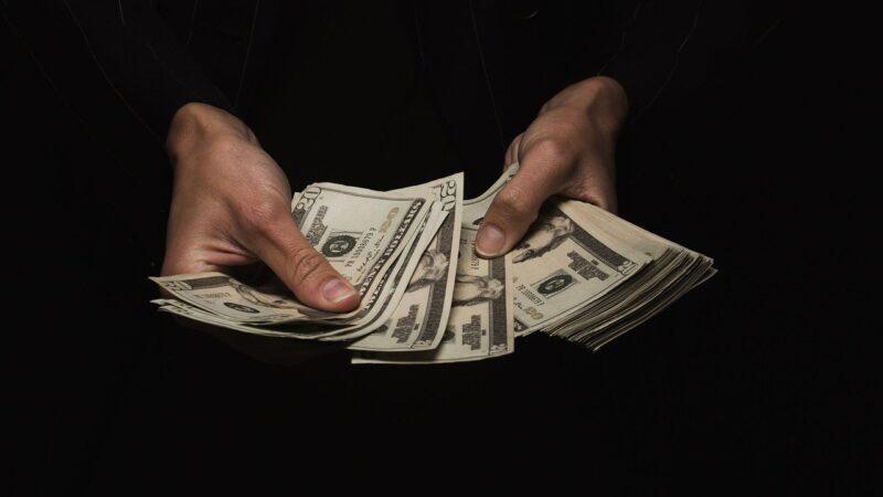 Vida com dinheiro: saiba como ganhar mais e fazer sobrar dinheiro